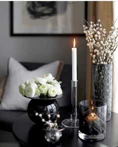 904 likes, 11 comments - Halvor Bakke (Janet Klasen Halvorson. Vase With Lights, Interior Decorating, Interior Design, Dark Interiors, Vase Centerpieces, Modern Kitchen Design, Minimalist Home, Home Decor Accessories, Belle Photo