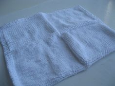 Since I will be attempting to organize a Greyson's Gifts Charity locally, I figured why not come up with a super easy pattern to knit up a Preemie-sized baby blanket. Baby Hat Knitting Pattern, Easy Knitting Patterns, Baby Patterns, Baby Knitting, Free Knitting, Knitting Projects, Crochet Baby, Crochet Patterns, Preemie Clothes