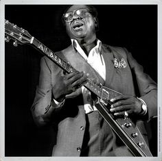 Albert King was an American blues guitarist and singer, and a major influence in the world of blues guitar playing. King was posthumously inducted into the Rock and Roll Hall of Fame in May Bb King, Robert Johnson, Stevie Ray Vaughan, Eric Clapton, Jimi Hendrix, Gibson Flying V, Albert King, Music Images, Jazz Musicians