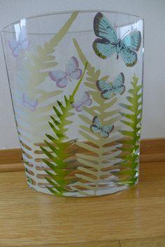 (5) FINN – Vase fra Steninge Slott - Design Finn Schjøll Glass Vase, Design, Home Decor, Decoration Home, Room Decor, Home Interior Design, Home Decoration, Interior Design