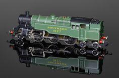 "Wrenn W2245 ""Southern Lined Green"" Standard Tank 2-6-4t running number 1927 Locomotive - 4MT Standard Tank 2-6-4T - Wrenn Locomotives - Connoisseur Wrenn"