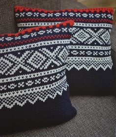 Easy and decorative pillows with a traditional pattern from Norway. Pattern and tutorial in norwegian. Making this ASAP!