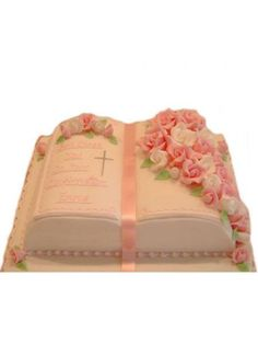Layer Victoria Sponge With Raspberry Conserve First Communion Cakes, First Holy Communion, Communion Gifts, Bautizo Cakes, Open Book Cakes, Bible Cake, Cross Cakes, Religious Cakes, Confirmation Cakes