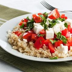 This Mediterranean quinoa salad recipe is the perfect side meal to bring to your next barbecue. Mediterranean Quinoa Salad Recipe from Grandmothers Kitchen. Lentil Salad Recipes, Vegetarian Salad Recipes, Spinach Recipes, Healthy Recipes, Veggie Recipes, Entree Recipes, Healthy Options, Smoothie Recipes, Chicken Recipes