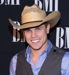 Dustin Lynch - Met him in Vegas, during ACM Weekend