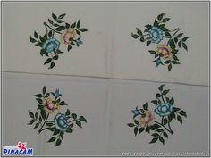Pintura en tela, manteleria pintada por Rosa.    #manualidades #pinacam #pintura #tela            www.manualidadespinacam.com