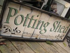 Backyard garden shed potting tables 51 ideas Garden Crafts, Garden Tools, Garden Art, Glass Garden, Rustic Shed, Shed Signs, Tin Signs, Potting Tables, Greenhouse Gardening