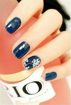 Elegant winter nails
