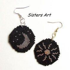 Stars moon brick stitch Beaded Earrings Patterns, Seed Bead Patterns, Seed Bead Earrings, Beading Patterns, Beaded Bags, Beaded Bracelets, Beaded Crafts, Loom Beading, Bracelets