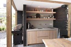 Keuken in detuin Bathroom Medicine Cabinet, Tiny House, Entryway, Kitchen Cabinets, Projects, Furniture, Home Decor, Bison, Garden