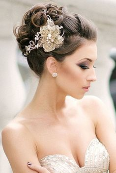 Wedding Hairstyles Updo - In this moment, I like to share about 15 Beautiful High Bun Wedding Updo Hairstyles. Therefore, a lot of beautiful updo hairstyle that you can copy. High Bun Wedding, Hairdo Wedding, Wedding Hair And Makeup, Wedding Hair Accessories, Wedding Bride, Wedding Hair With Veil Updo, Wedding Headpieces, 2017 Wedding, Wedding Dresses