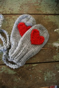 The Thumbless S'Mittens  Custom Valentine knit by tippytoesknits