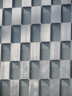 SEFAR Architecture Vision's post-breakage performance keeps the glass in place even if shattered.