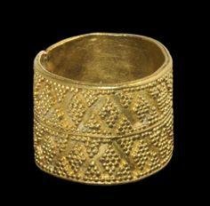 Greek Minoan / Mycenaean Gold Ring, 1600-1100 B.C.