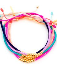 Pulsera Chaquiras Multicolor con Balines Goldfilled Dainty Bracelets, Woven Bracelets, Seed Bead Bracelets, Handmade Bracelets, Bracelets For Men, Friendship Bracelets, Handmade Jewelry, Little Girl Jewelry, Girls Jewelry