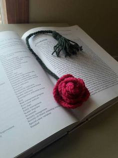 Crocheted rose bookmark, teachers gift, mothers day gift, bookmark, unique gift