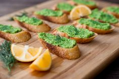 A delicious and beautiful crostini that boast spring's favorite color: green!