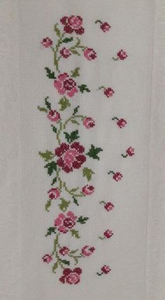 Really nice Cross-Stitch towel flower pattern. Cross Stitch Letters, Cross Stitch Rose, Cross Stitch Borders, Modern Cross Stitch, Cross Stitch Flowers, Cross Stitch Designs, Cross Stitching, Cross Stitch Embroidery, Embroidery Patterns