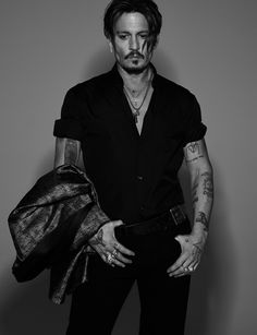 Johnny Depp is Numéro Homme's fall 2017 cover star. The Hollywood legend connects with photographer Jean-Baptiste Mondino. Johnny Depp Fans, Here's Johnny, Gq, Gossip Girls, Gorgeous Men, Beautiful People, Johnny Depp Pictures, Jonny Deep, Photographie Portrait Inspiration
