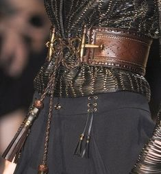 Gucci S/S 2013 . Love the belt! Totally completes the outfit! Fashion Week, Look Fashion, Fashion Details, High Fashion, Womens Fashion, Fashion Design, Milan Fashion, Brown Fashion, Fashion Shoes