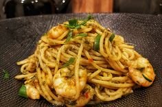 Shrimp Recipes, Pasta Recipes, Spicy Spaghetti, Go For It, Italian Pasta, Fish Dishes, Pesto Pasta, Food Inspiration, Italian Recipes