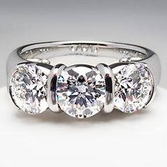 TIFFANY & CO  3.11TCW.  ENGAGEMENT RING ETOILE 3 STONE ROUND DIAMOND PLATINUM  39,999.00 USD