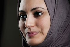 Former NPR analyst Juan Williams, among other ignorant people, has an irrational fear of Muslims, and thinks you can identify them based on what they look like. Here I will post pictures of Muslims. United Nations Development Program, Ignorant People, Arab Women, Indian Beauty, Fabric Flowers, Business Women, Muslim, Beautiful People, Curvy Women