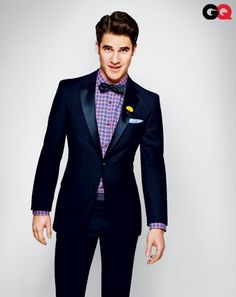 One day, I will own a midnight blue tux much like this. Will I look like Darren Criss wearing it? Fashion Moda, Suit Fashion, Look Fashion, Fashion News, Darren Criss, Gq Style, Looks Style, Style Men, Estilo Preppy