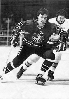 Great Hockey Photos You've Just Seen for the First Time! Hockey Teams, Hockey Players, Ice Hockey, The One, The Past, Vancouver Canucks, Referee, Nhl, My Eyes