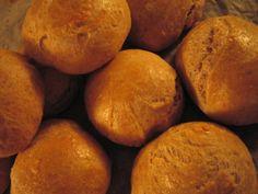 Grahamsämpylät - Resepti | Kotikokki.net Bread, Food, Eten, Bakeries, Meals, Breads, Diet