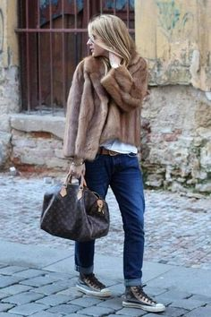 a brown fur jacket with dark blue boyfriend jeans for a casual level of dre., Team a brown fur jacket with dark blue boyfriend jeans for a casual level of dre., Team a brown fur jacket with dark blue boyfriend jeans for a casual level of dre. Fur Coat Outfit, Beige Outfit, Booties Outfit, Zara Outfit, Fur Fashion, Look Fashion, Street Fashion, Winter Fashion, Fashion Women