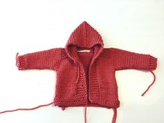 Abrigo bebe con capucha. - No sin mis patucos Crochet Baby Clothes, Baby Cardigan, Baby Knitting, Men Sweater, Sweaters, Frozen, Bedroom, Fashion, Knitting And Crocheting