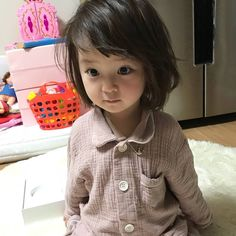 불금???,#예콩이... - 예콩이&예콩맘 @agijagimin Cute Asian Babies, Korean Babies, Cute Korean Girl, Asian Kids, Cute Babies, Baby Boy Swag, Cute Baby Girl, Cute Little Girls, Baby Pictures