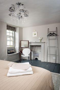 King-size bedroom with en suite shower room