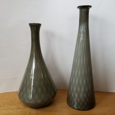 Vintage hand made glass table lamp columns (pair) / lamp making supplies / grey glass vases Cool Table Lamps, Tall Lamps, Mid Century Lighting, Grey Glass, Vintage Lamps, Glass Table, Diamond Pattern, Light Shades, Ceiling Lamp