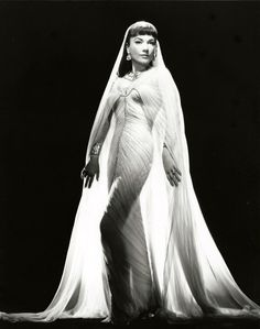 """Ann Baxter """"The Ten Commandments"""". The costume design was in charge of Edith Head, Dorothy Jeakins, Arnold Friberg and Ralph Jester."""