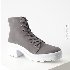 Canvas lug platform boots Size 6. See the last pic F21 Shoes