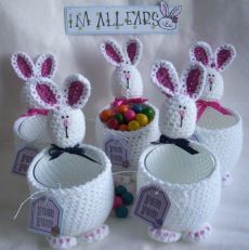 The most beautiful Crochet basket and straw models Crochet Easter, Easter Crochet Patterns, Holiday Crochet, Crochet Bunny, Love Crochet, Crochet Crafts, Crochet Toys, Crochet Projects, Easter Projects