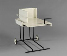 Rolling Table designed by Eileen Gray, 1929 #eileengray #design #table