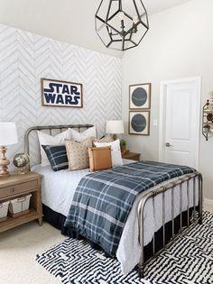 50 Vintage Star Wars Room Design Ideas For Little Boys Big Boy Bedrooms, Boys Bedroom Decor, Boy Rooms, Boy Bedroom Designs, Boys Bedroom Ideas Tween, Boys Room Ideas, Teen Boys Room Decor, Kids Rooms, Living Room Decor