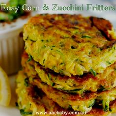These easy Corn and zucchini fritters are a great alternative to taking sandwhichs to work or school. The best thing about them is you really can add anything you like to them, provided the mixture is not to moist they always work well. Vegetable Dishes, Vegetable Recipes, Vegetarian Recipes, Cooking Recipes, Kid Recipes, Muffin Recipes, Cream Corn Fritters, Zucchini Corn Fritters, Veggie Fritters