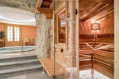 Bergwandelen in de Alpen voor blinden en slechtzienden Berg, Divider, Room, Furniture, Home Decor, Alps, Bedroom, Decoration Home, Room Decor