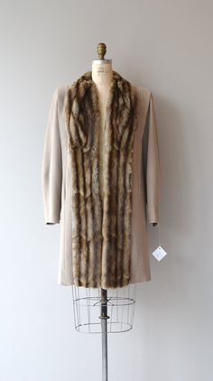 Ainsley House coat coat vintage fur trimmed by DearGolden Vintage Fur, Vintage Clothing, Vintage Outfits, Fur Trim Coat, Housecoat, Furs, Lincoln, 1940s, All Things