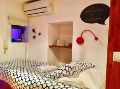 Apartment in Lisboa, Portugal. This pratical and central single studio flat is the perfect option if you are travelling alone and want  to bewithn walking distance of all the importante places.  This is an  small studio flat. The advantages are that it has all that you'll need ...