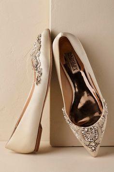 Pre-worn Women's Grace Cara Wedding Ivory Satin Beads/Pearls Bridal Pumps sz 8 B