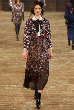 Chanel Pre-Fall 2014 Fashion Show - Jacquelyn Jablonski