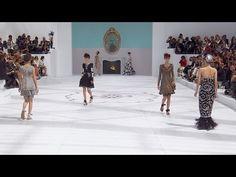 http://www.comquebolsa.com.br/chanel-haute-couture-fallwinter-2014-2015/