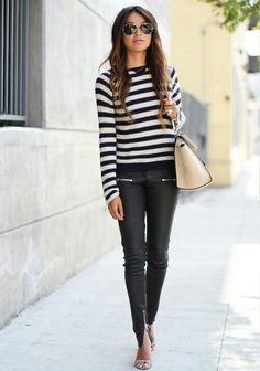 O lugar é descolado? Que tal uma calça que imita couro? | 16 ideias de looks para você mandar bem na entrevista de emprego