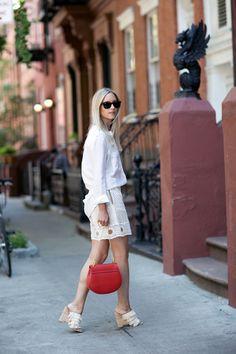 (via THEFASHIONGUITAR) White lace skirt
