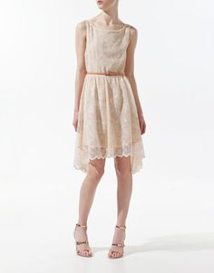 DRESS WITH LACE V AT THE FRONT